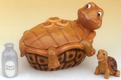 Turtle Cookie Jar With Salt And Pepper Shakers