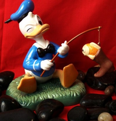Disney Mickey And Friends - Donald Duck Hook Line And Sinker Fishing Figurine