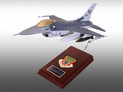 F-16C Falcon 1/32 Scale Model Aircraft