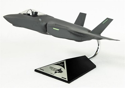 Conventional F-35A Generic 1/48 Scale Model Aircraft