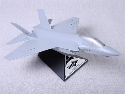 F-35C JSF/CV 1/48 Scale Model Aircraft