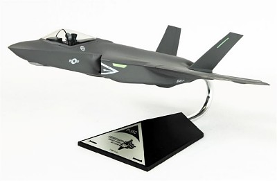 Carrier Version F-35C USN 1/48 Scale Model Aircraft