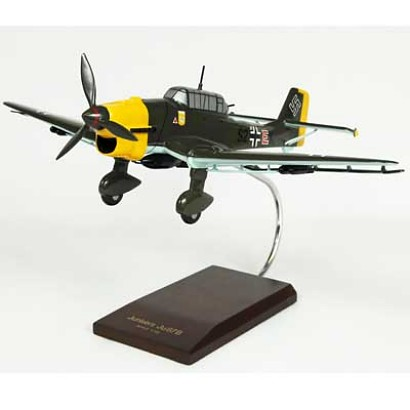 JU-87B Stuka 1/32 Scale Model Aircraft