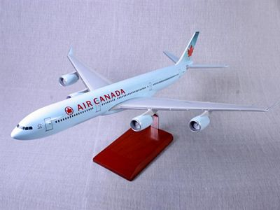 A340-500 Air Canada 1/100 Scale Model Aircraft