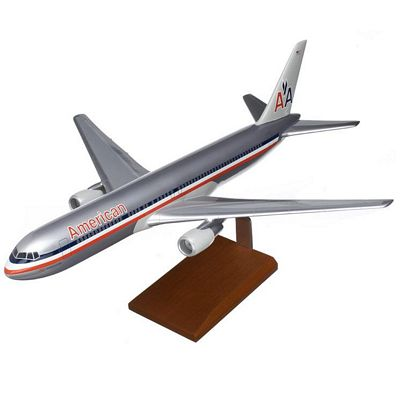 B767-300 American Airlines 1/100 Scale Model Aircraft