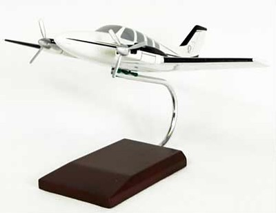 Beechcraft Baron 1/40 Scale Model Aircraft