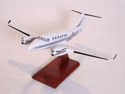 B350 King Air 1/32 Scale Model Aircraft