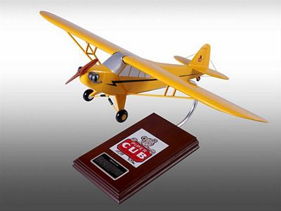 Piper J-3 Cub 1/20 Scale Model Aircraft
