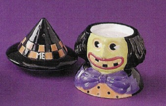 Welcome To Frightville Mary Engelbreit Witch Salt And Pepper Shakers
