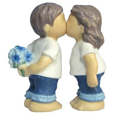 Forever In Blue Jeans Kissing Kids Magnetic Salt And Pepper Shakers