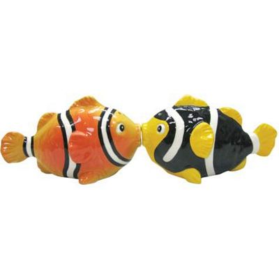 Clown Fish Kissing