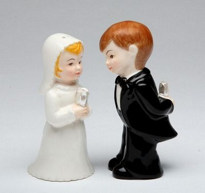 Bride And Groom Wedding Couple Salt And Pepper Shakers
