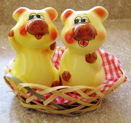 Pigs In Basket Salt And Pepper Shakers