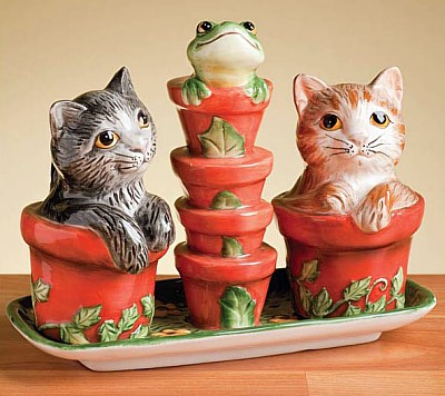 Garden Kitty Salt And Pepper Shakers With Base