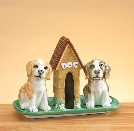 Beagle Salt And Pepper Shakers With Base