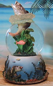 Fish 3-D Musical Waterglobe